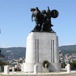 paragrafo_monumento_trieste_caduti